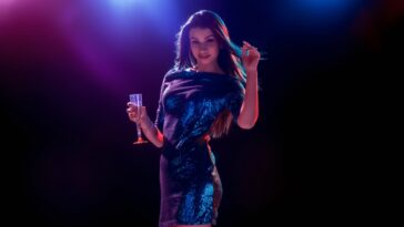 6 Great Style Tips to Steal a Party Shine Glitter to Win a Show